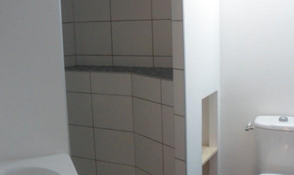 Pose de faïence et carreaux antidérapants 10 x 10 au sol