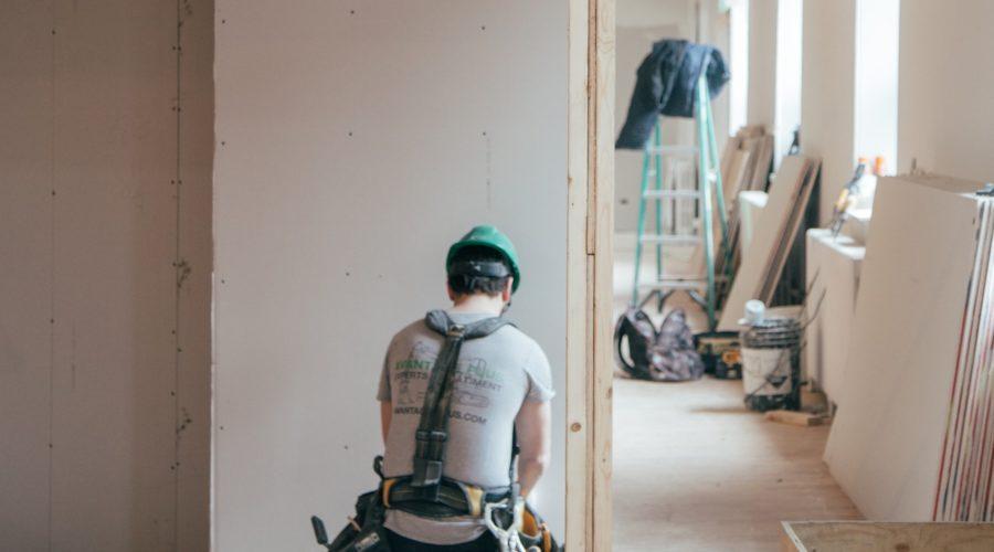 Bâtiment Basse Consommation en rénovation :  les 6 postes clés selon l'ADEME